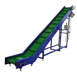 Cleat belt conveyors